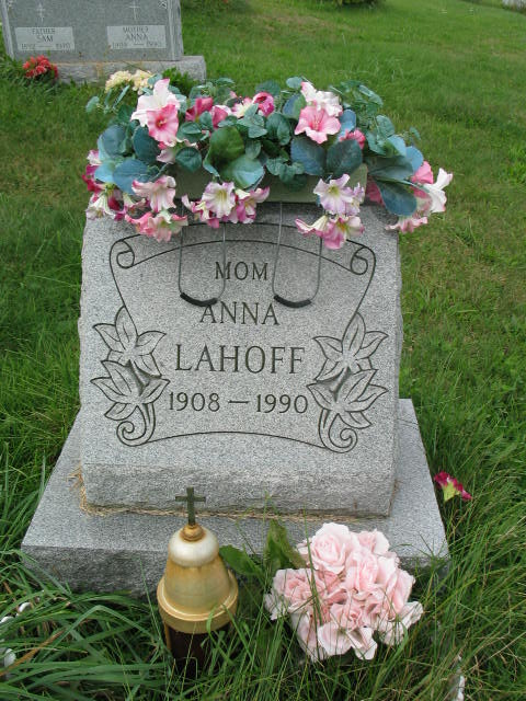 Anna Lahoff tombstone