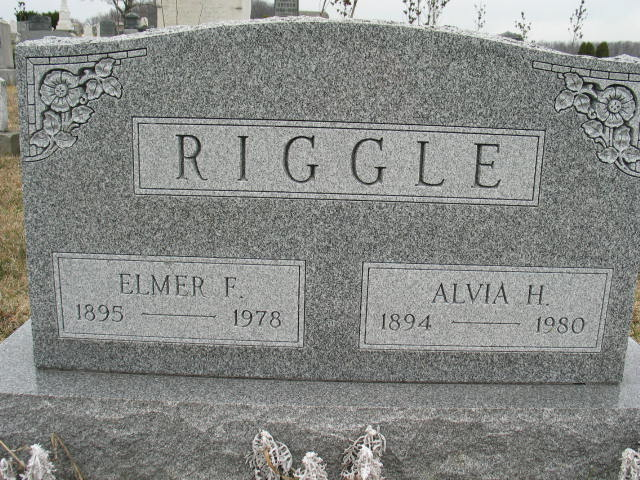 Elmer and Alvia Riggle tombstone