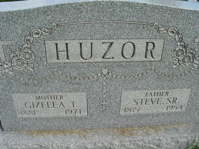 Gizella T. and Steve Huzor Sr. tombstone